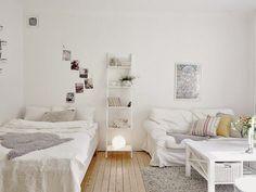 34 m² pour une pièce et une cuisine, donc pour la pièce principale avec une armoire, un salon complet et un couchage, le blanc semble le ...