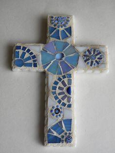 Etsy の Periwinkle White 4x6 Mosaic Cross by TheMosartStudio