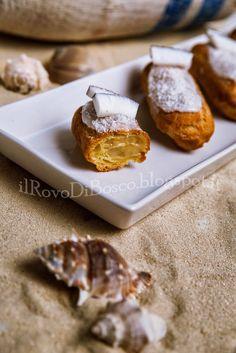Eclairs con crema al latte di macadamia e vaniglia, glassa al cocco e rhum bianco (senza lattosio)