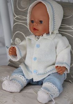 Simple Baby born knitting patterns in light blue and white colors ~ most of these doll patterns will fit a PREEMIE Knitting Dolls Clothes, Knitted Dolls, Doll Clothes Patterns, Doll Patterns, Baby Born Clothes, Bitty Baby Clothes, Girl Doll Clothes, Easy Knitting Patterns, Baby Patterns