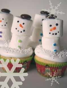Christmas Cupcakes   Dessert Ideas   Baking DIY