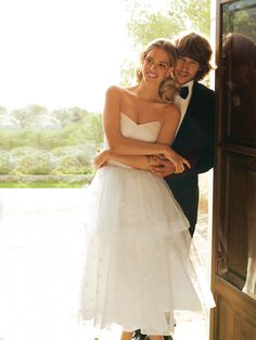 Strapless, Tea Length Wedding Dress 3/2011 Double layered