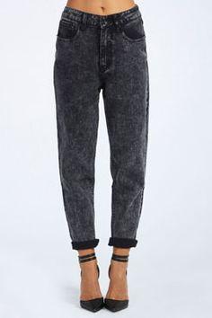Avery Boyfirend Fit Acid Wash Jeans at boohoo.com