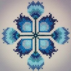 1 million+ Stunning Free Images to Use Anywhere Cross Stitch Art, Cross Stitch Borders, Cross Stitching, Cross Stitch Patterns, International Craft, Palestinian Embroidery, Free To Use Images, Blue Square, Bargello