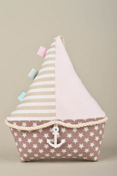 Best Sewing Toys For Baby Projects 16 Ideas – Sewing Projects Sewing Toys, Baby Sewing, Sewing Crafts, Cute Pillows, Baby Pillows, Fabric Toys, Fabric Crafts, Sewing Stuffed Animals, Diy Bebe