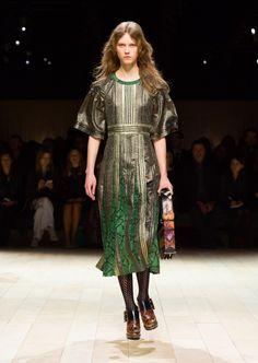 Burberry, Fall/Winter 16/17 - L'officiel de la mode