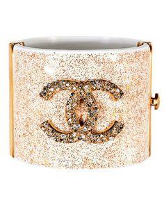 want a chanel cuff Chanel Jewelry, Jewelry Box, Jewelery, Jewelry Accessories, Fashion Accessories, Metal Jewelry, Chanel Cuff Bracelet, Cuff Bracelets, Bangles