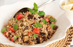 Eggplant Pilav with Cinnamon and Mint Meatless Monday, Couscous, Fried Rice, Eggplant, A Food, Cinnamon, Healthy Lifestyle, Dinner Recipes, Cooking