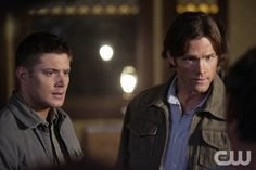 """Family Remains"" - Jensen Ackles as Dean, Jared Padalecki as Sam in SUPERNATURAL on The CW. Photo: Michael Courtney/The CW�2008 The CW Network, LLC. All Rights Reserved.pn"