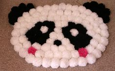 "Tappento ""Panda"" con i pon pon 