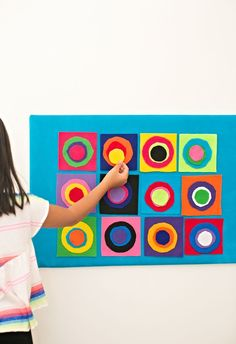 Summer Preschool Art Activities:  KANDINSKY CIRCLES FELT BOARD