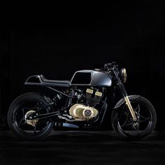 Golden boy. 1980 Suzuki GSX 250 cafe racer concept courtesy of Greece's C-Racer. #dropmoto #caferacer #caferacerporn #vintagemotorcycle #suzuki #gsx250 #builtnotbought by dropmoto http://ift.tt/1NFrowR