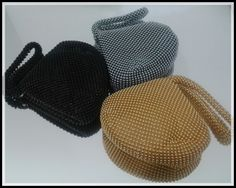 Leve o Charme aos assuntos rápidos! Bolsas Bolinhas. Disponíveis nas cores - Preto, Prata e Ouro.
