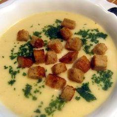 Egy finom Burgonyás zellerkrémleves ebédre vagy vacsorára? Burgonyás zellerkrémleves Receptek a Mindmegette.hu Recept gyűjteményében!