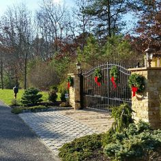 Winter Wonderland driveway gate- just needs colors to match home exterior Wrought Iron Driveway Gates, Front Gates, Entrance Gates, Driveway Entrance Landscaping, Brick Driveway, Wrought Iron Gate Designs, Gate Decoration, Front Yard Decor, Farm Gate