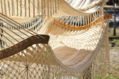 Hammocks- Relax in a Hammock Bed, Chair, or Swing. Crochet Hammock, Knit Crochet, Garden Furniture, Outdoor Furniture, Outdoor Decor, Hammock Bed, Crochet Home Decor, Diy Décoration, Macrame Knots