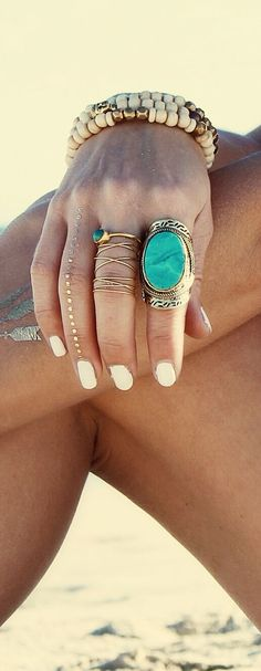 gold and turquoise....add some white linen and you have summmmmmerrrrr....