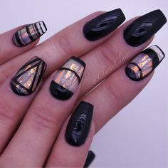 Nail art has been regarded as a type of accessory for a long time by all fashionistas. Playing with your nails to get the best look to combine your outfit Line Nail Designs, Black Nail Designs, Ligne Nail Art, Lines On Nails, Line Nails, Gel Nagel Design, Manicure E Pedicure, Super Nails, Nagel Gel