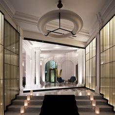 hotel paris Interior of Hotel Vernet, Paris, France Hotel Paris, Paris Hotels, Luxury Hotel Design, Luxury Interior, Interior Architecture, Interior Design, Amazing Architecture, Design Entrée, Lobby Design