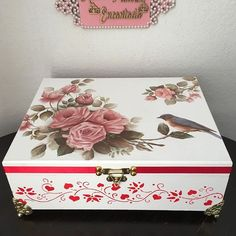 Decoupage Box, Decoupage Vintage, Altered Boxes, Box Art, Wooden Boxes, Painting On Wood, Jewelry Box, Decorative Boxes, Floral