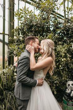 Modern Boho Hochzeitskonzept Couple Photos, Couples, Modern, Couple Shots, Trendy Tree, Couple Photography, Couple, Couple Pictures