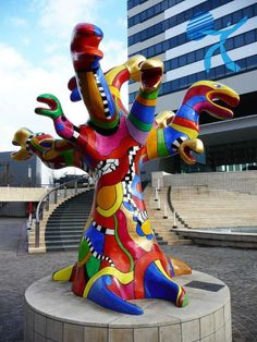 Nikki de Saint Phalle: The snake tree fountain... imagine the ends weren't snakes...