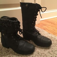 Combat boots Can be worn two ways. I never wore them outside. Perfect condition. Shoes Combat & Moto Boots