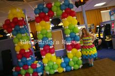 Huge number sculpture to celebrate our 10th birthday party & balloon dress…