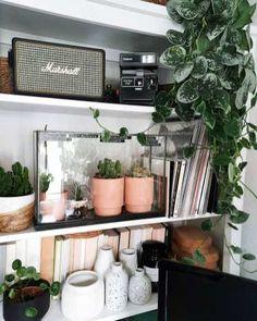 Chaise Vintage, Blog Deco, Marshall Speaker, Decoration, Sweet Home, Shelves, Hello Fr, Instagram, House