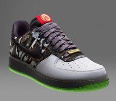 super popular d64e0 22928 Metallic Gold Swoosh Custom Nike Roshe One Black by PrakCustomsWomen nike  nike free Nike air max Discount nikes Nike shox nike zoom Nike basketball  shoes ...