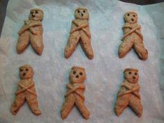 ΛΑΖΑΡΑΚΙΑ (ΓΛΥΚΑ ΨΩΜΑΚΙΑ) Το Σάββατο του Λαζάρου συνηθίζουν να ζυμώνουν μικρά γλυκά ψωμάκια στο σχήμα ανθρώπου με τα χέρια ... Orthodox Easter, Scooby Doo, Teddy Bear, Blog, Sweets, Animals, Fictional Characters, Education, Animales