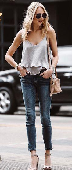 simple outfit idea top + jeans + bag1