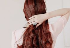 Wish I had red hair like this. Reminds me of Catelyn Stark. Haha