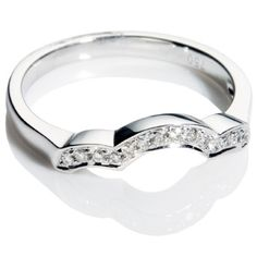 Band for 3 stone ring