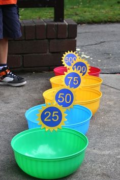 32 Of The Best DIY Backyard Games You Will Ever Play -- bean bag toss! Use large bowls and label each one with its point value.