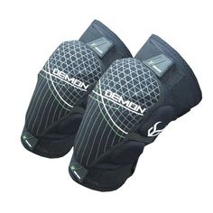 DEMON HYPER KNEE X D30 2016 The Demon Hyper knee is a D30 knee pad which extends down the shin. D30 hardens on impact yet remains comfortable and flexible the rest of the time. With Neoprene surround and additional padding to the side of the knee also the Hyper knee pads are top quality. #demon #hyperkneexd30 #safteyprotectionequipment