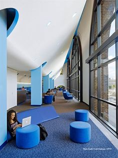 Great use of organic patterns, open space and welcoming colors. This space at the University of PA by Joel Sanders Architects facilitates learning and connecting. On the floor -- Mannington Commercial's Spatial Progressions.