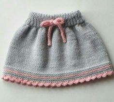 Baby Sweater Knitting Pattern, Baby Knitting Patterns, Hand Knitting, Toddler Skirt, Baby Skirt, Baby Dress Patterns, Baby Clothes Patterns, Pattern Dress, Mode Crochet