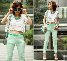 Mint green is still taking over this season! Mix up the usual with a cropped aztec print top! #mintgreen