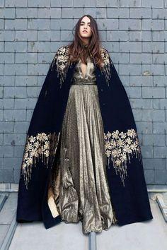 Abaya Fashion 16200 Cape embroidered in wool and cashmere, and dress in Lurex, Blumarine. Dress Dior, Dress Up, Dress Shawl, Beautiful Outfits, Cool Outfits, Mode Abaya, High Fashion, Womens Fashion, Baroque Fashion