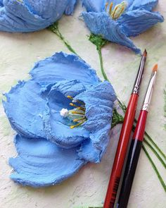 Paper Flowers Craft, Clay Flowers, Flower Crafts, Flower Art, Sculpture Painting, Ceramic Painting, Diy Painting, Plaster Crafts, Plaster Art