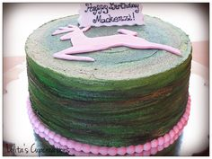 Camo cake with a little touch of girlie-ness