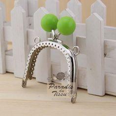1x Fermoir sac fantaisie avec anneau 7.5cm bonbons vert