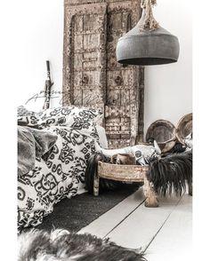 Boho Bedroom Design + Neutral Bedroom Decor + Black and White Bedroom + Vintage Decor Ideas Decor, Minimalism Interior, Interior, Boho Bedroom Design, Bedroom Design, Home Decor, Black Decor, Boho Interior, Bedroom Vintage