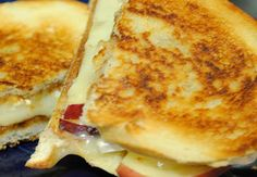 grilled apple brie sandwich