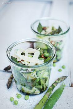 Spargelsalat, Spargel Zucchini Salat, grüner Spargel, Spargel gesund, Spargel Zucchini Erbsen Salat, Abendessen, Spargel schnelle asparagus salad, zucchini salad, veggie salad, green asapargus, spring salad, green salad, helathy salad