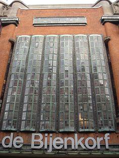 de Bijenkorf, Den Haag by EltonHarding, via Flickr