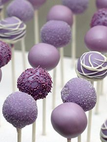 What Colors Make You Hungry? Food And Thought, Reduce Appetite, Purple Wedding Cakes, Shades Of Purple, Bakery, Bling, Make It Yourself, How To Make, Cakepops