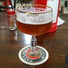Cerveja Rural Farmhouse Ale, estilo Saison / Farmhouse, produzida por  Cervejaria Caseira, Brasil. 5% ABV de álcool.