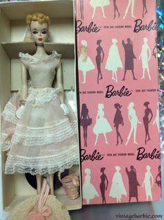 Plantation Belle - Pink Box Dressed Display Dolls - Vintage Barbie Barbie Box, Play Barbie, Barbie And Ken, Barbie Dress, Schools In Nyc, Doll Display, Hello Dolly, Collector Dolls, Vintage Barbie